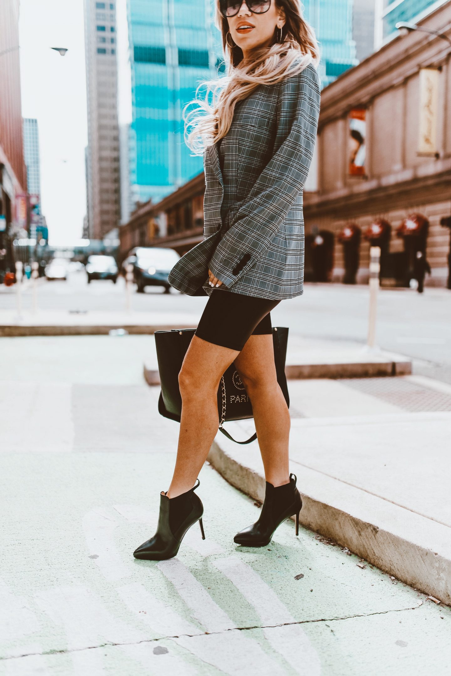 current fashion trends, fashion blogger, spring trends, spring fashion, summer fashion, mom blogger, Chicago blogger, Chicago fashion, mommy blogger, trends, fashion looks, fashion must haves